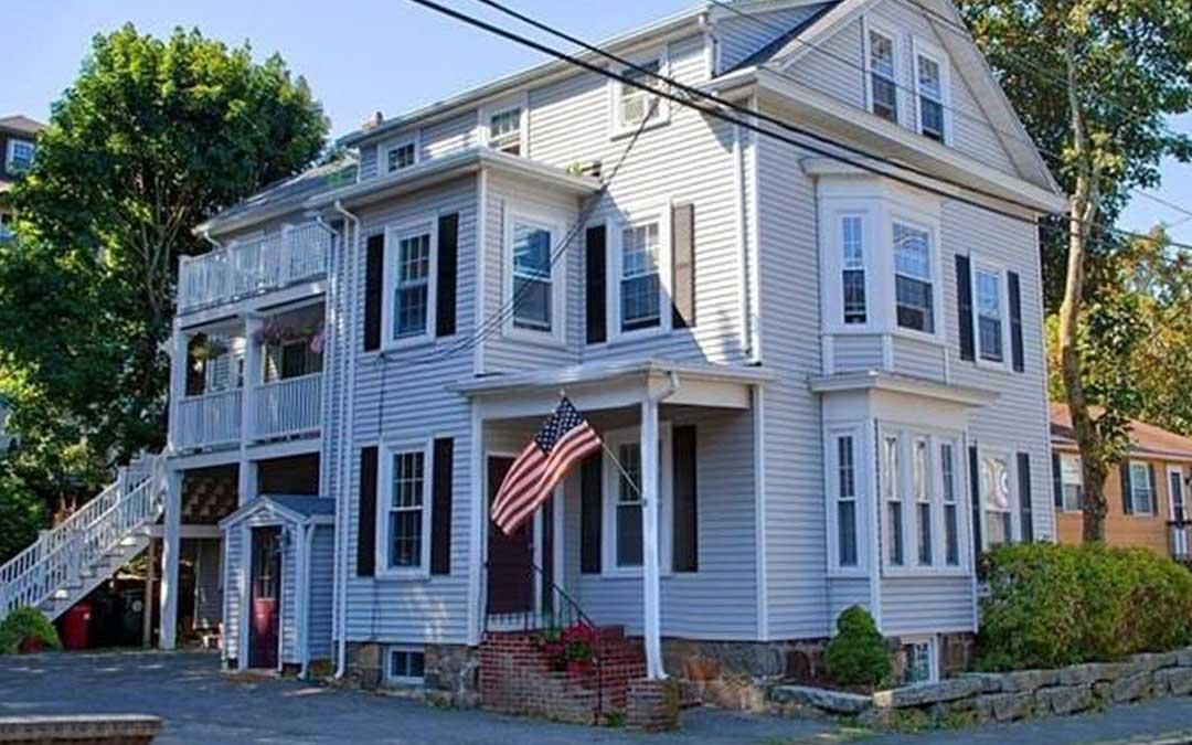 Renovated Patio Level Condo For Rent