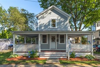 Beautiful Salem Willows Home