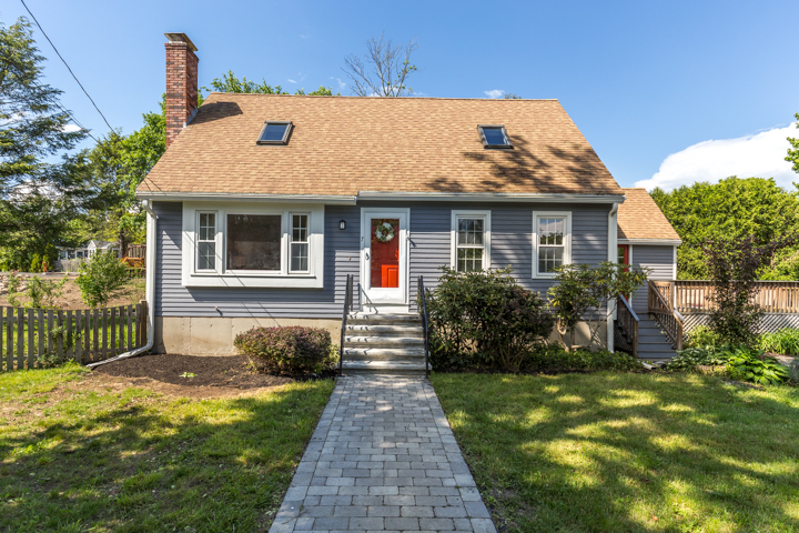 Desirable North Beverly location presents a home sweet home!